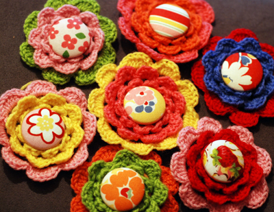 Free Crochet Pattern: Homespun® Crocheted Rosettes / Flowers