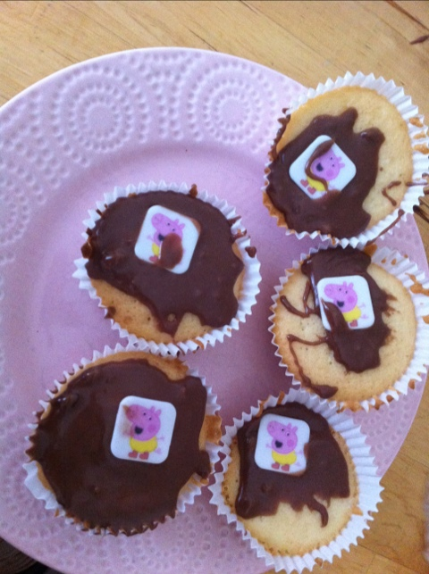 Cupcake Decorations Asda : I m Peppa Pig [oink], this is my brother George [oink ...