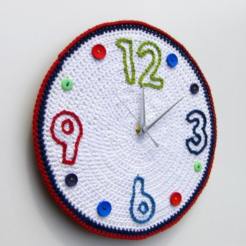 Crochet clock time